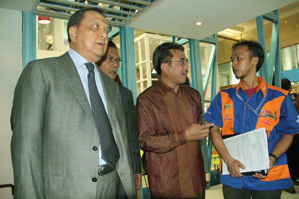 Kunjungan Bapak. M. Suleman Hidayat - Menteri Perindustrian RI